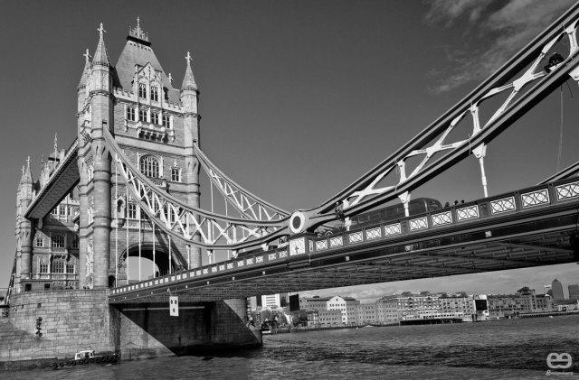 cross-the-bridge-que-se-escapa-el-bus