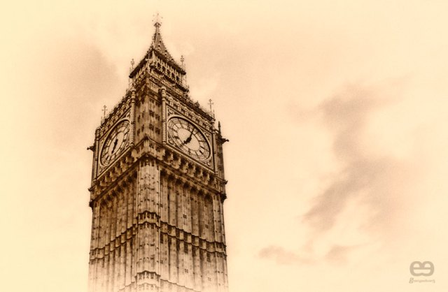 Old-fashioned-Big-Ben-2