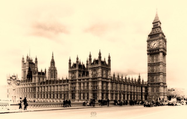 Old-fashioned-Parlament