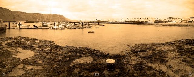 Puerto de Caleta de Sebo en Sepia