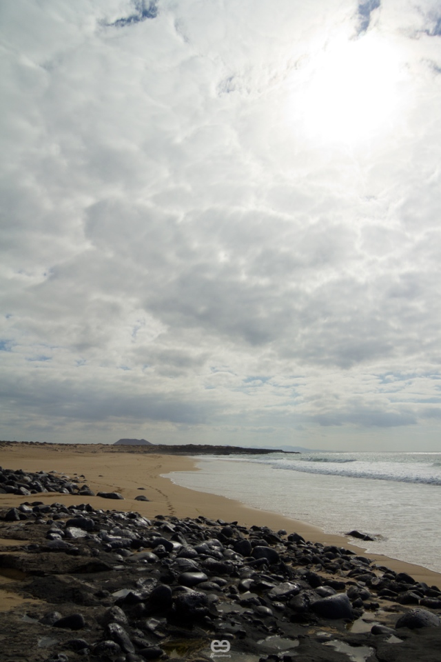 tres, mar, cielo y roca_4